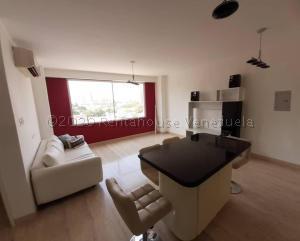 Apartamento En Alquileren Maracaibo, Cecilio Acosta, Venezuela, VE RAH: 21-924