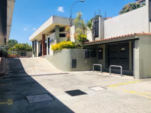 Apartamento En Ventaen Caracas, Los Naranjos Del Cafetal, Venezuela, VE RAH: 21-948
