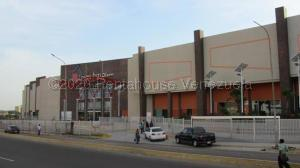 Local Comercial En Ventaen Maracaibo, Centro, Venezuela, VE RAH: 21-986