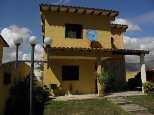 Casa En Ventaen Municipio San Diego, El Polvero, Venezuela, VE RAH: 21-1022