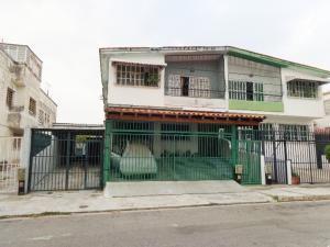 Apartamento En Ventaen Valencia, Trigal Norte, Venezuela, VE RAH: 21-1090