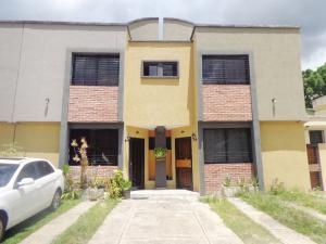 Townhouse En Ventaen Municipio Naguanagua, Casco Central, Venezuela, VE RAH: 21-1102