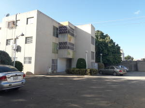 Apartamento En Ventaen Municipio San Francisco, La Coromoto, Venezuela, VE RAH: 21-1109