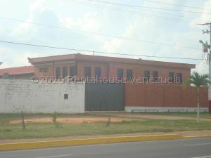 Industrial En Ventaen El Tigre, Sector Avenida Intercomunal, Venezuela, VE RAH: 21-1154