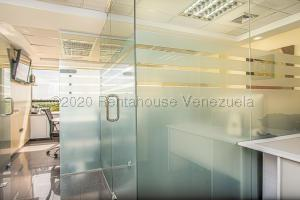 Local Comercial En Ventaen Caracas, El Hatillo, Venezuela, VE RAH: 21-1194