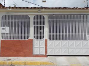 Casa En Ventaen Barquisimeto, Parroquia Juan De Villegas, Venezuela, VE RAH: 21-1202