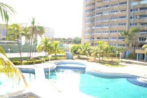 Apartamento En Ventaen Catia La Mar, Playa Grande, Venezuela, VE RAH: 21-1842