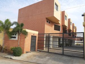 Townhouse En Ventaen Municipio Naguanagua, Manantial, Venezuela, VE RAH: 21-1308