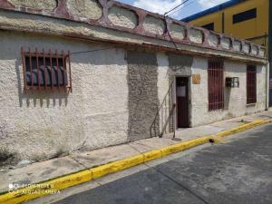 Terreno En Ventaen Maracay, Avenida Constitucion, Venezuela, VE RAH: 21-1327