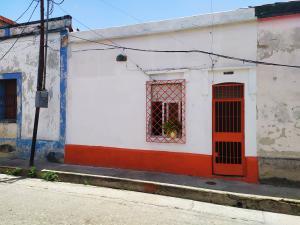 Casa En Ventaen Valencia, La Candelaria, Venezuela, VE RAH: 21-1345