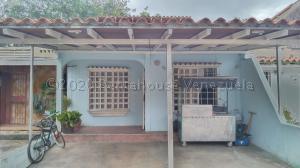 Casa En Ventaen Cabudare, El Amanecer, Venezuela, VE RAH: 21-1373