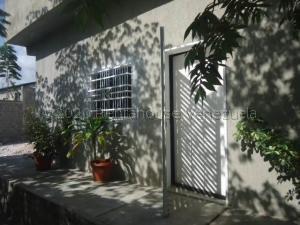 Casa En Alquileren Barquisimeto, Parroquia Santa Rosa, Venezuela, VE RAH: 21-1389