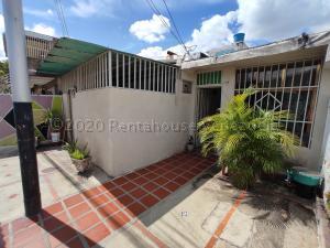 Casa En Ventaen Maracay, Girardot, Venezuela, VE RAH: 21-1397