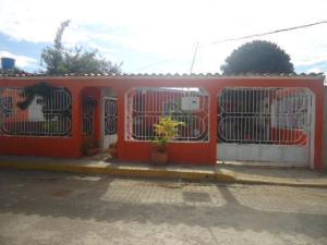 Casa En Ventaen Barquisimeto, Parroquia Tamaca, Venezuela, VE RAH: 21-1398
