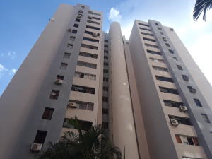 Apartamento En Alquileren Valencia, Las Chimeneas, Venezuela, VE RAH: 21-1446