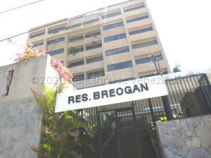 Apartamento En Ventaen Parroquia Caraballeda, Los Corales, Venezuela, VE RAH: 21-1541