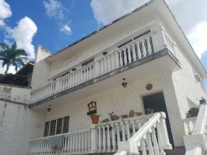 Casa En Ventaen Caracas, Colinas De Los Chaguaramos, Venezuela, VE RAH: 21-1554