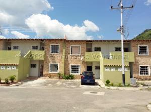 Apartamento En Ventaen Intercomunal Maracay-Turmero, Intercomunal Turmero Maracay, Venezuela, VE RAH: 21-1557