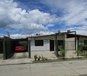 Casa En Ventaen Guacara, Ciudad Alianza, Venezuela, VE RAH: 21-1563