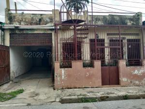 Casa En Ventaen Valencia, La Candelaria, Venezuela, VE RAH: 21-1586