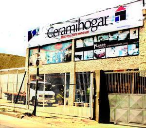Local Comercial En Alquileren Parroquia Caraballeda, Los Corales, Venezuela, VE RAH: 21-1619
