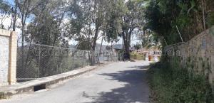 Terreno En Ventaen Caracas, La Trinidad, Venezuela, VE RAH: 21-1618