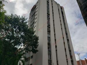 Apartamento En Ventaen Valencia, Valles De Camoruco, Venezuela, VE RAH: 21-1753