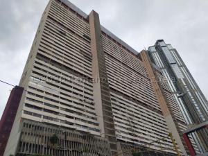 Apartamento En Ventaen Caracas, Parque Central, Venezuela, VE RAH: 21-1776