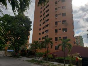 Apartamento En Ventaen Valencia, La Trigaleña, Venezuela, VE RAH: 21-1768