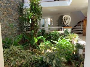 Casa En Ventaen Caracas, Los Samanes, Venezuela, VE RAH: 21-2045