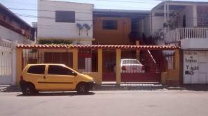 Casa En Ventaen Maracay, Los Olivos Viejos, Venezuela, VE RAH: 21-7233
