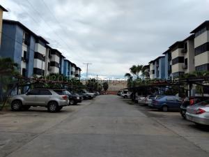 Apartamento En Ventaen Intercomunal Maracay-Turmero, Intercomunal Turmero Maracay, Venezuela, VE RAH: 21-2720