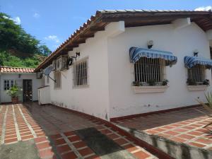 Casa En Ventaen Charallave, Charallave Country, Venezuela, VE RAH: 21-1932