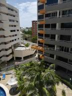 Apartamento En Ventaen Higuerote, Puerto Encantado, Venezuela, VE RAH: 21-1973