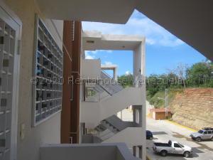 Apartamento En Ventaen Charallave, Valle Real, Venezuela, VE RAH: 21-1955