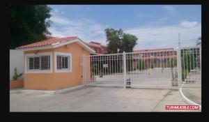Casa En Ventaen Charallave, Vista Linda, Venezuela, VE RAH: 21-1965