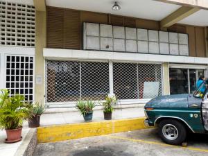 Local Comercial En Ventaen Caracas, El Marques, Venezuela, VE RAH: 21-1991