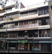 Apartamento En Ventaen Caracas, El Paraiso, Venezuela, VE RAH: 21-257