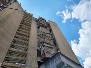 Apartamento En Ventaen Maracay, Avenida 19 De Abril, Venezuela, VE RAH: 21-2023