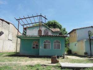 Casa En Ventaen San Joaquin, Los Castores, Venezuela, VE RAH: 21-2114