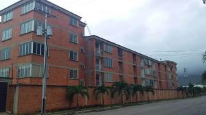 Apartamento En Ventaen Guacara, Ciudad Alianza, Venezuela, VE RAH: 21-2065