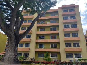 Apartamento En Ventaen Municipio San Diego, Monteserino, Venezuela, VE RAH: 21-2082