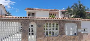 Casa En Ventaen Guatire, El Castillejo, Venezuela, VE RAH: 21-2104