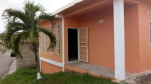 Casa En Ventaen Charallave, Centro De Charallave, Venezuela, VE RAH: 21-2119