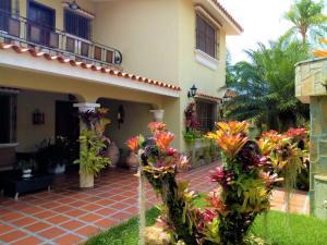 Casa En Ventaen Valencia, Prebo Iii, Venezuela, VE RAH: 21-2130