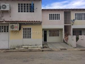 Apartamento En Ventaen Maracay, La Orquidea, Venezuela, VE RAH: 21-2137