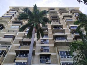 Apartamento En Ventaen Parroquia Caraballeda, Los Corales, Venezuela, VE RAH: 21-2134