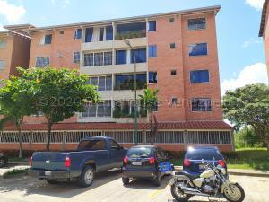 Apartamento En Ventaen Guatire, Sector San Pedro, Venezuela, VE RAH: 21-2135