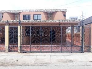 Casa En Ventaen Ciudad Ojeda, Calle Piar, Venezuela, VE RAH: 21-2229