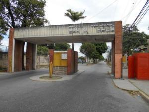 Apartamento En Ventaen Santa Cruz De Aragua, Residencias Santa Cruz, Venezuela, VE RAH: 21-2158